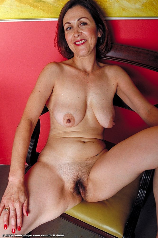 Free galleries mature women nude apologise, but