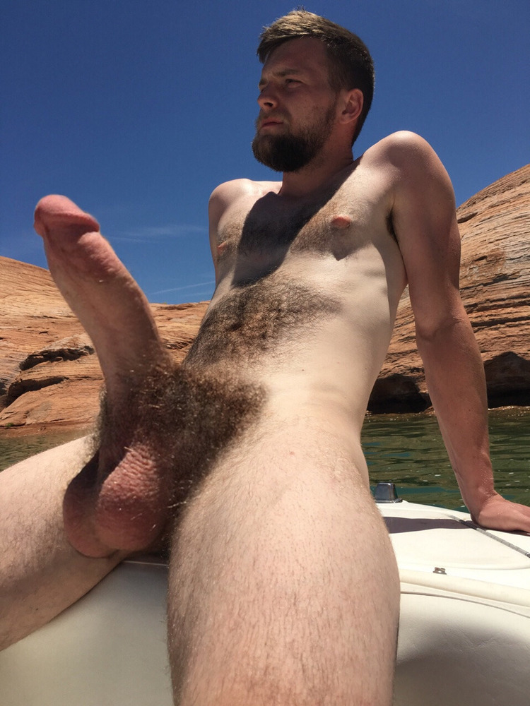 Free twink with hairy balls