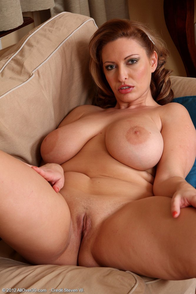 Mature busty nudes galleries — pic 10