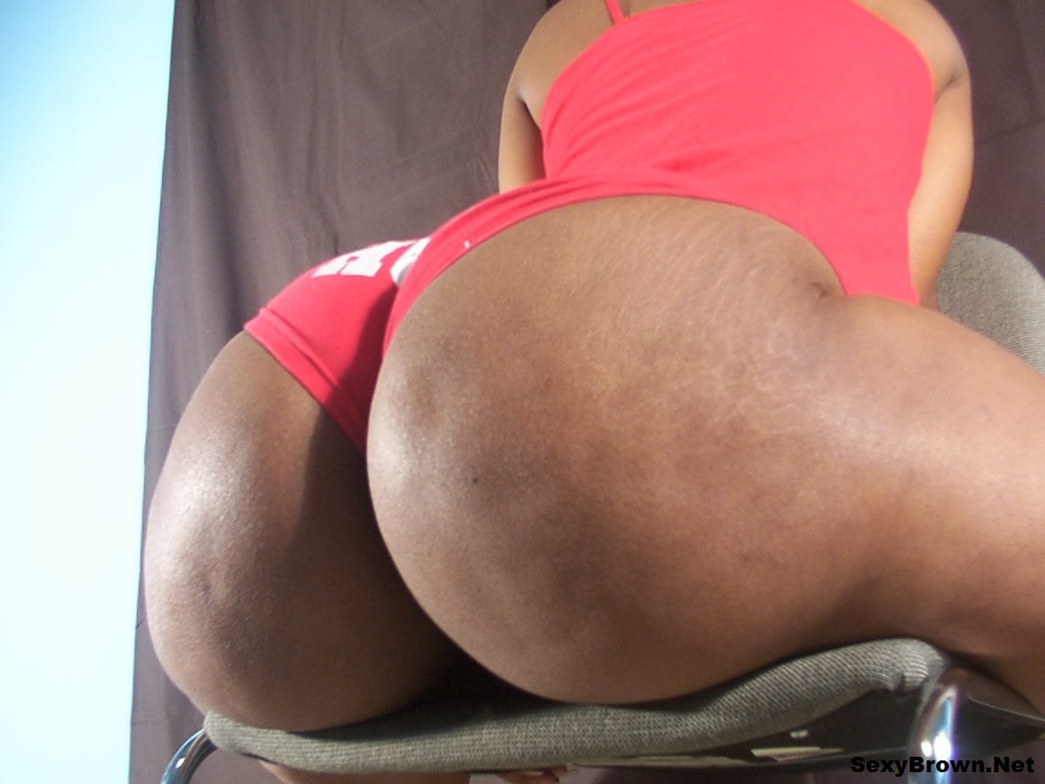 Black Ebony Butt Shaking Bouncin In Red Booty Shorts, Photo Album By Bookmesexybrown - Xvideoscom-1961