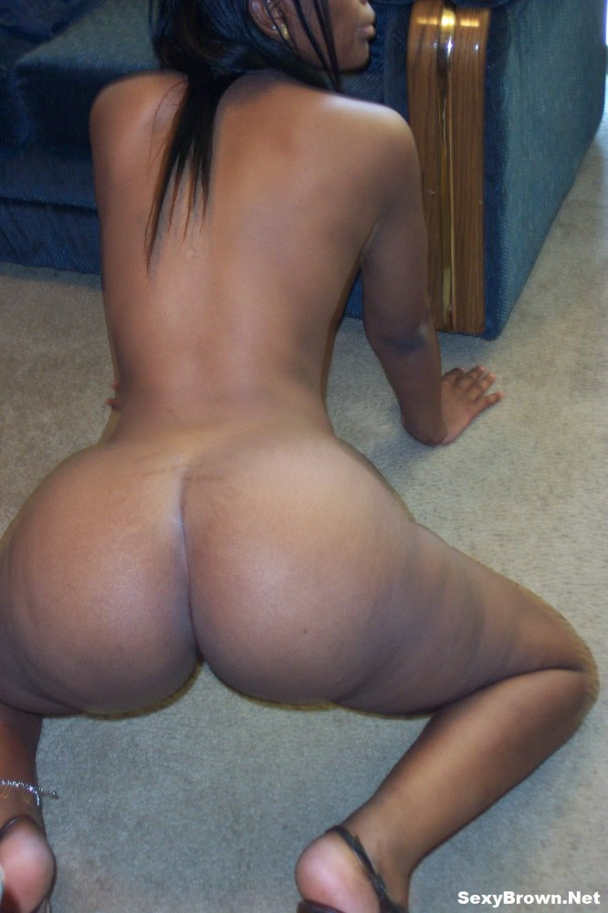 Sexy Brown Shows Off Her Perfect Naked Butt, Photo Album -5299