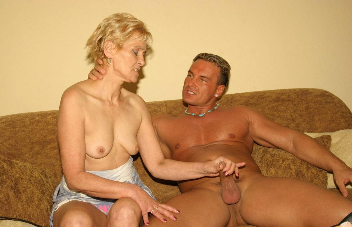 Секс секс очень зрелых дам в ялте без мужа одна