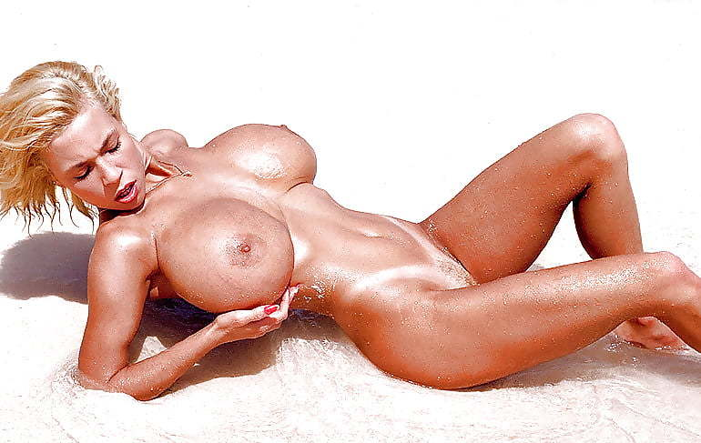 Adult Images Interracial missionary style amateur