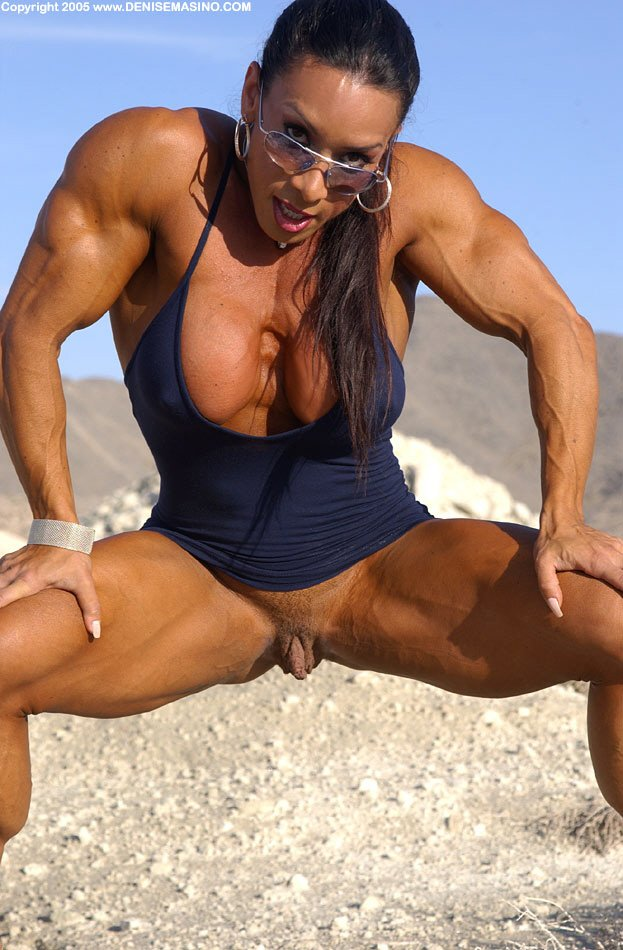 porn-naked-bodybuilding-girls-with-clits