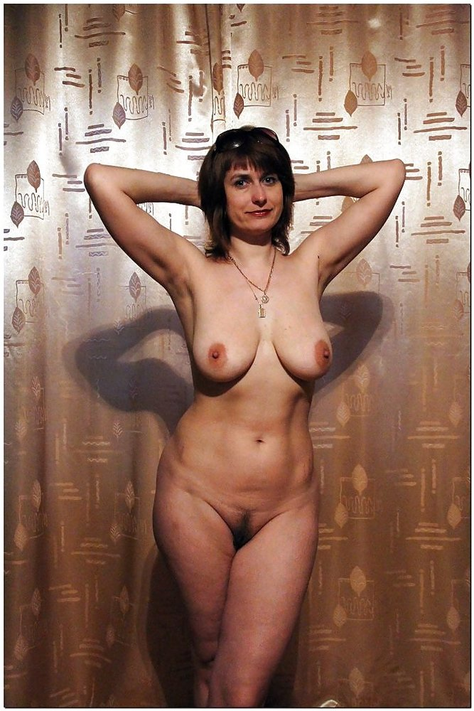 Обнаженная годах женщина 45 в за