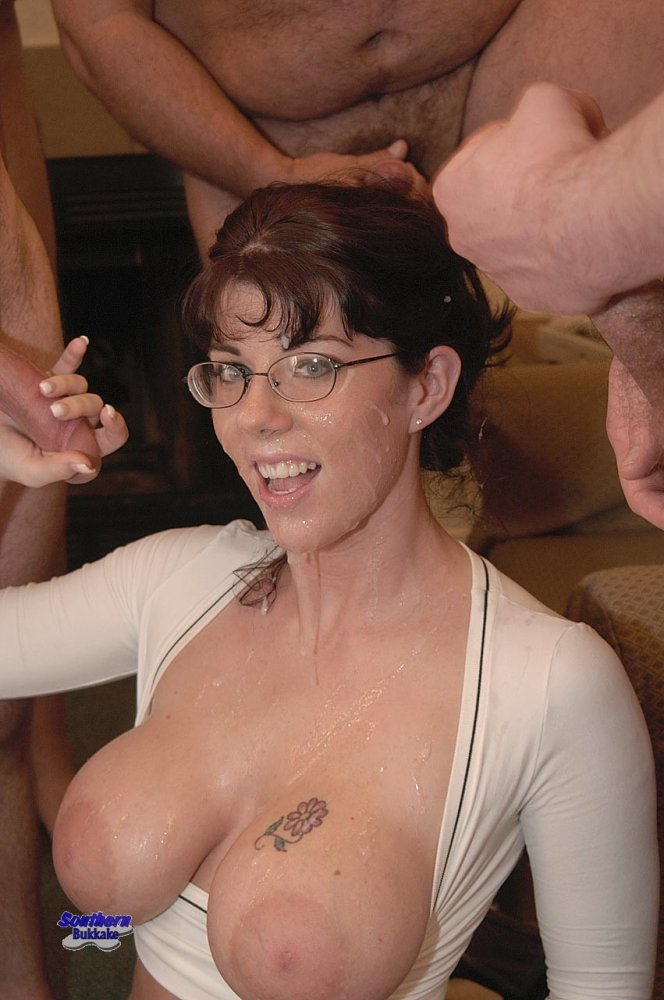 Stepmom and stepsister threesome