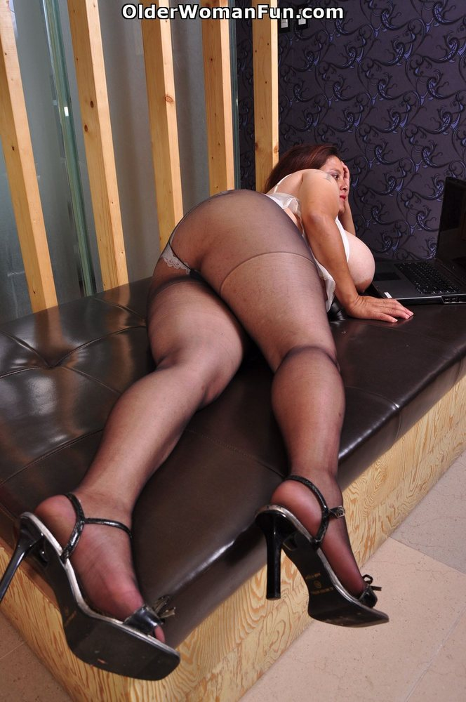 That would fat old in pantyhose