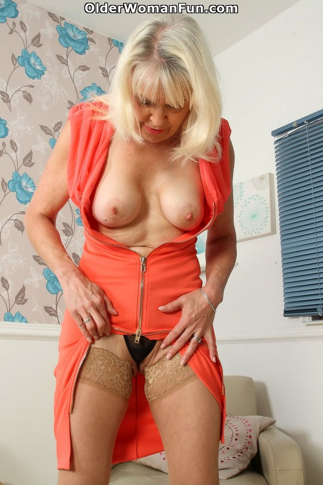 64 Year Old British Granny Lady Sextasy Looks Gorgeous In -7120