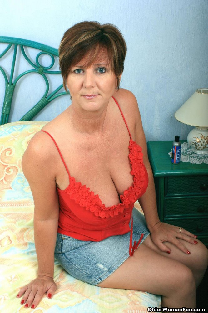 Stallion wwwolder women funcom married