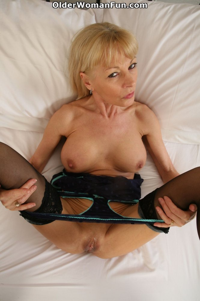 Nice story Mature british fee vids blow monster