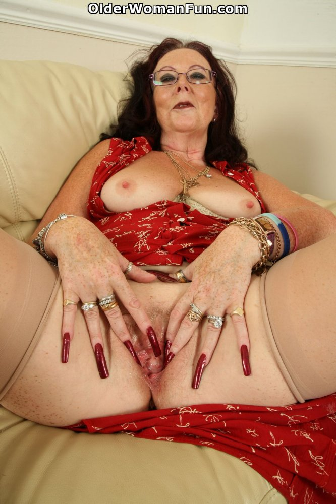 British granny zadi fucks herself with a dildo 2