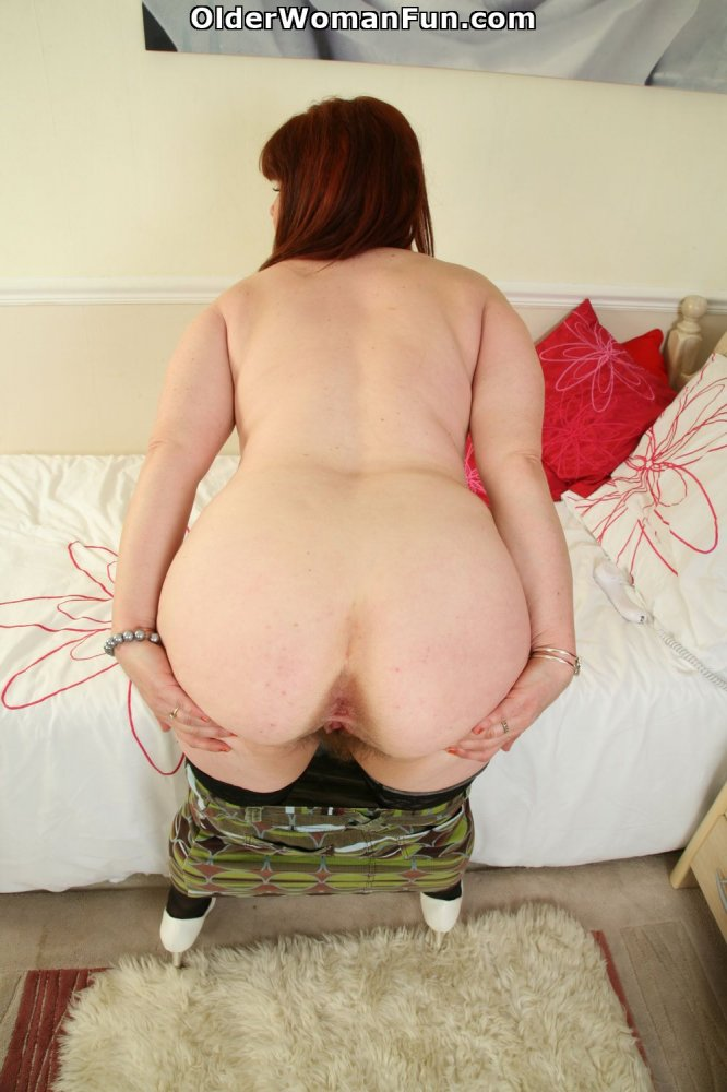Bbw dildoing her pussy and ass on webcam 9