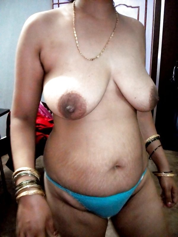 hindi-nude-aunty-pose