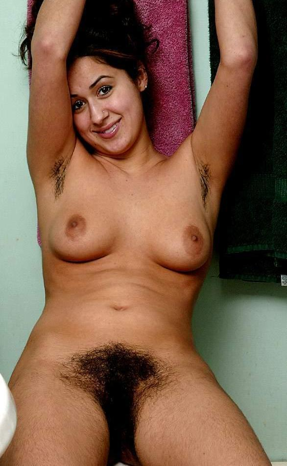 hairy-natural-nude-muslim-moore-pee