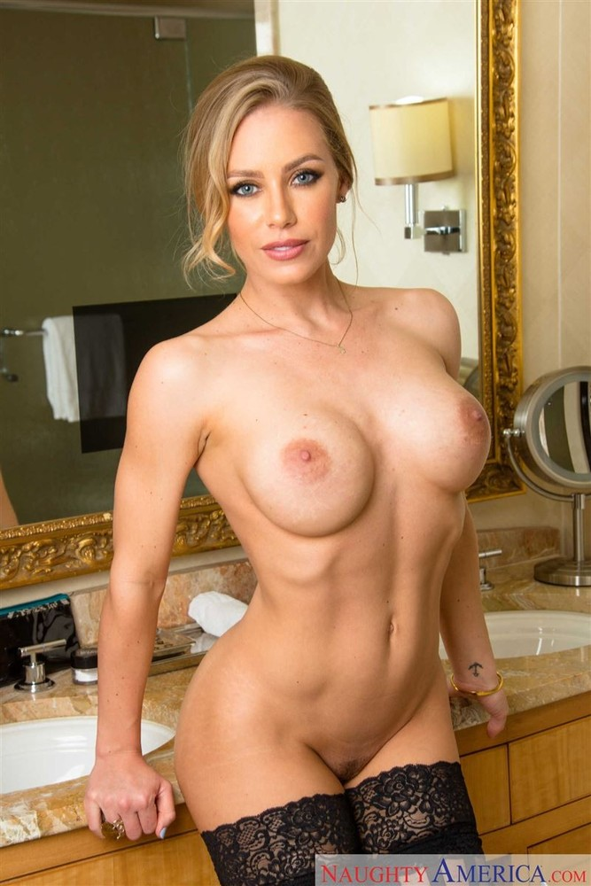 Nicole Aniston Strips And Shows Her Sexy Body Big Boobs 1