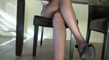 videos pants Peeing there in free