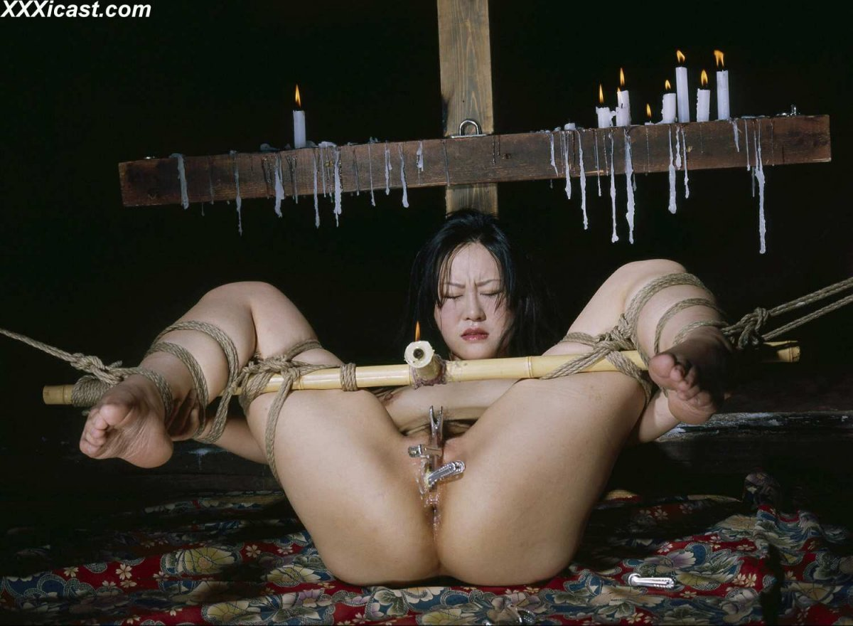 japan-extreme-torture-head-into-pussy-rakhee-hot-pussy