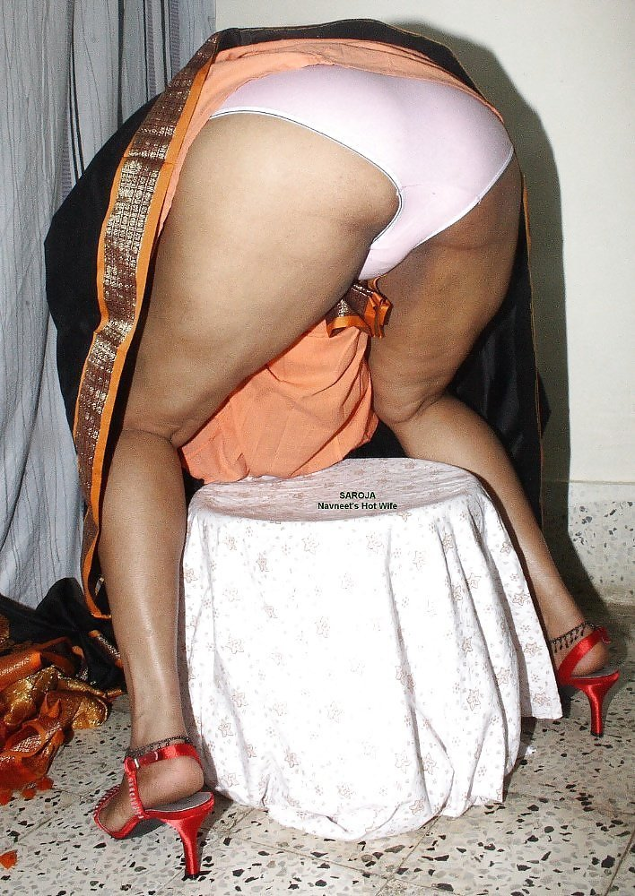 upskirt-saree-pussy-yellow-bone-stripper