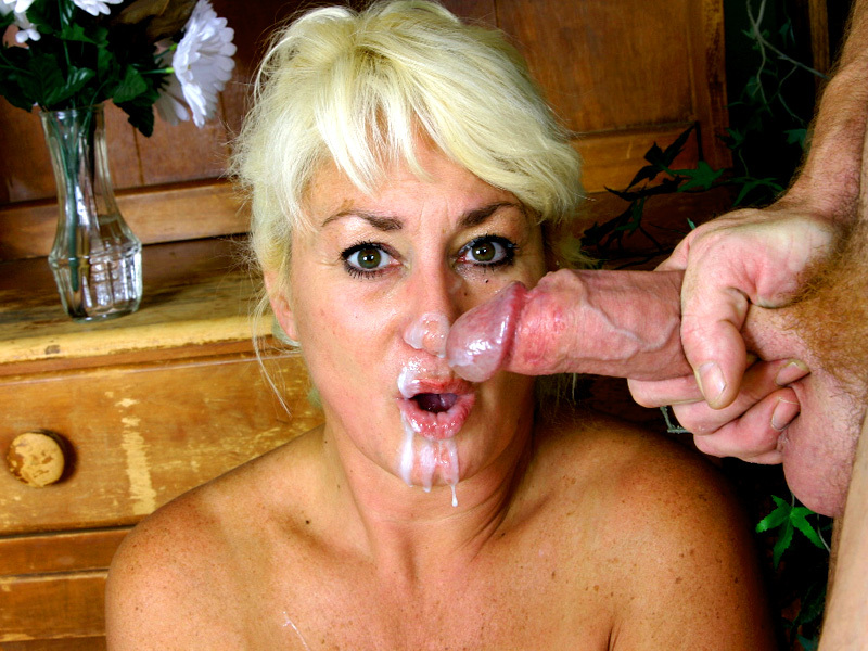 Cum faced grannies — photo 11