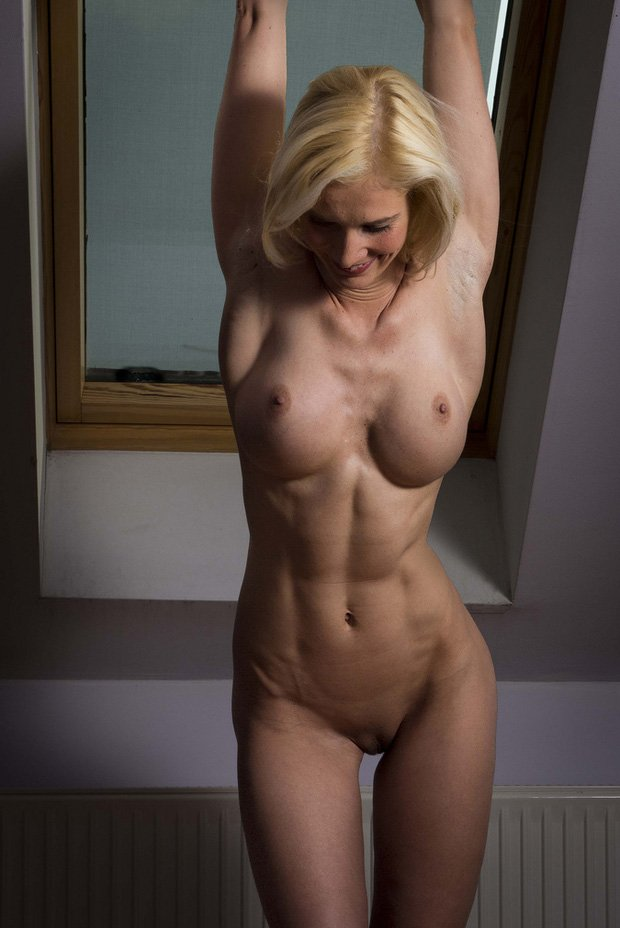 webcam-contact-mature-fit-women-naked-nude-brother-sexey