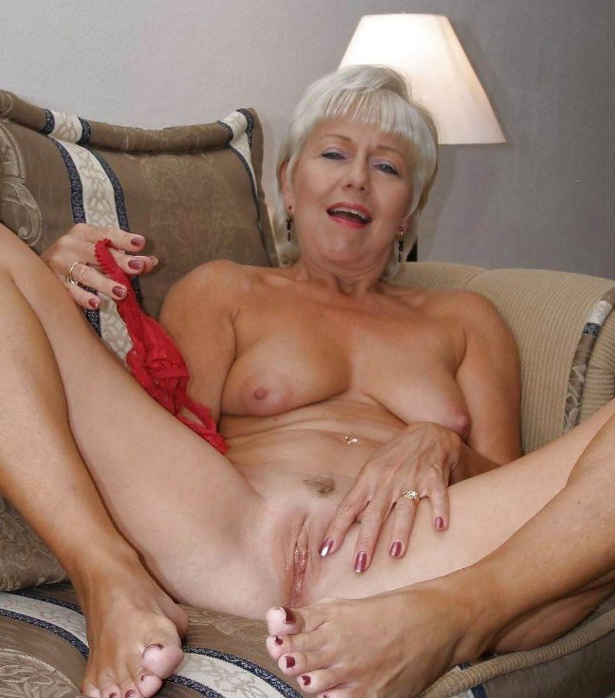 horny-nude-grandmother-nicole-graves-ass-fuck-video