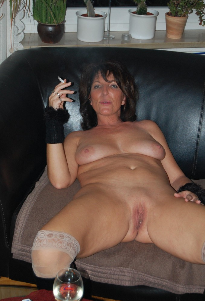 Smoking hot moms nude, nude star wars pictures
