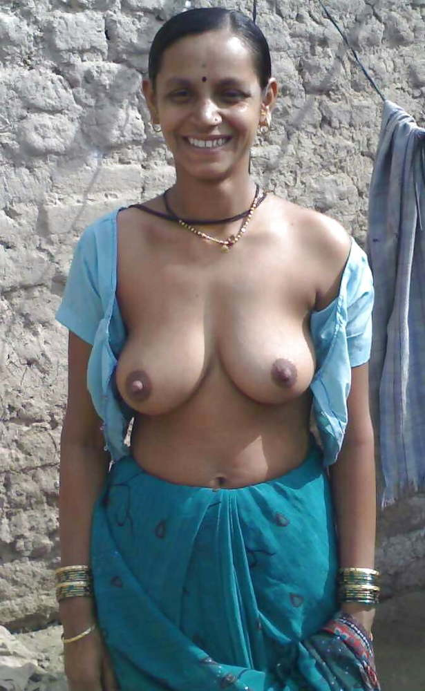 Wet desi village girl boobs show pics