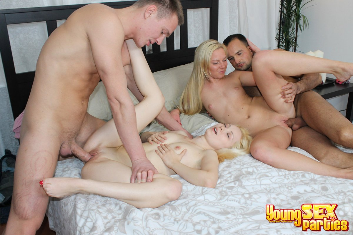 Blowjob cfnm multiple