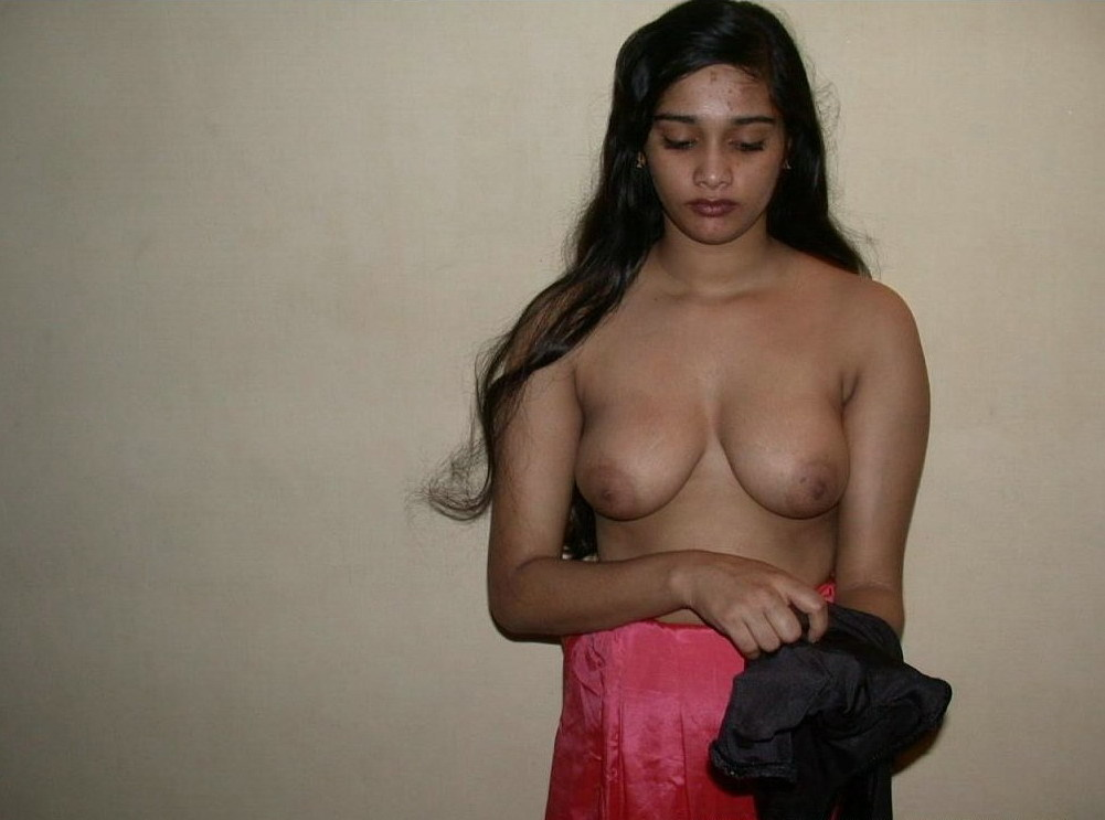 indian-hot-college-girls-half-nude-non-black-girls