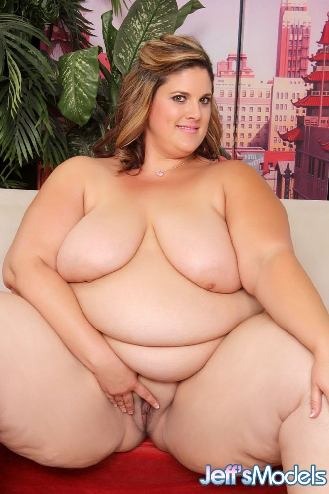 Beautiful bbw becki butterfly is fucked and eats cum 5