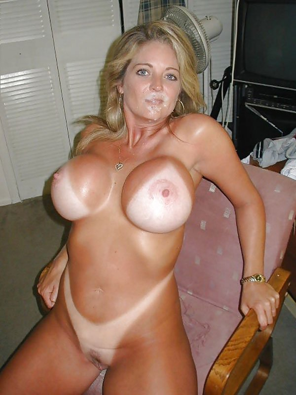 Big tit milf cheating with younger guy