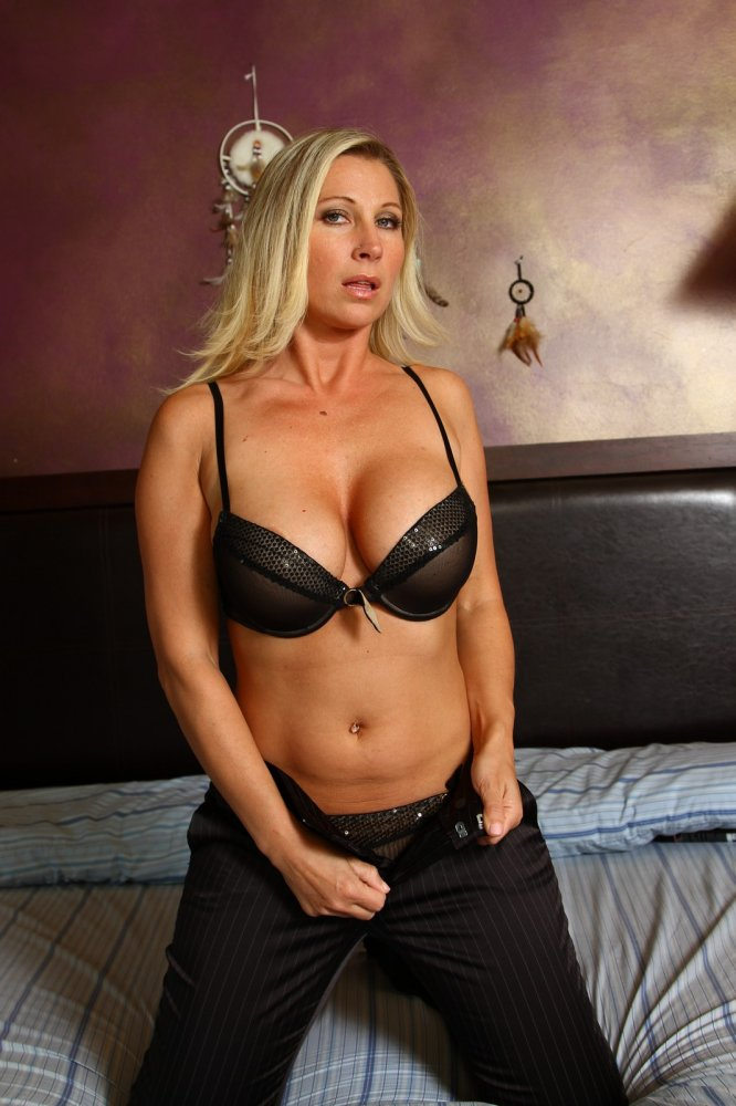 Ffm milf big boobs