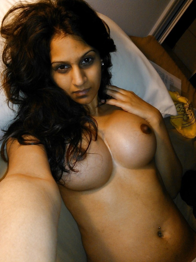 hot-desi-girl-with-big-tits-topless-cam-girl-with-skirt-turned-upside-down-porn