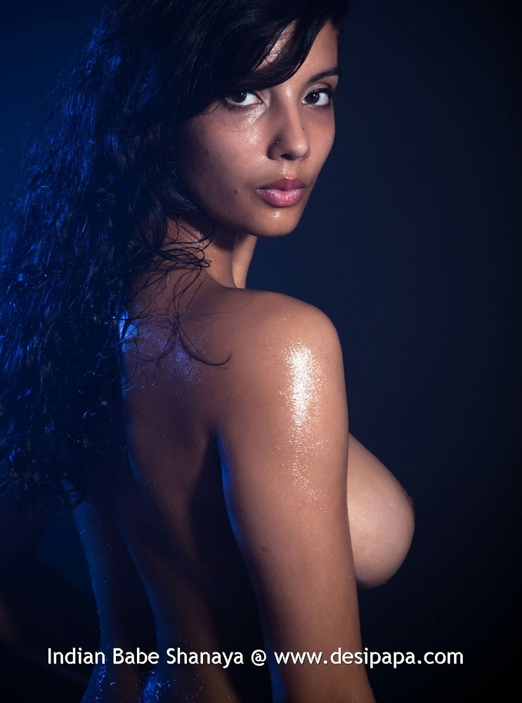 hot naked oiled indian girls