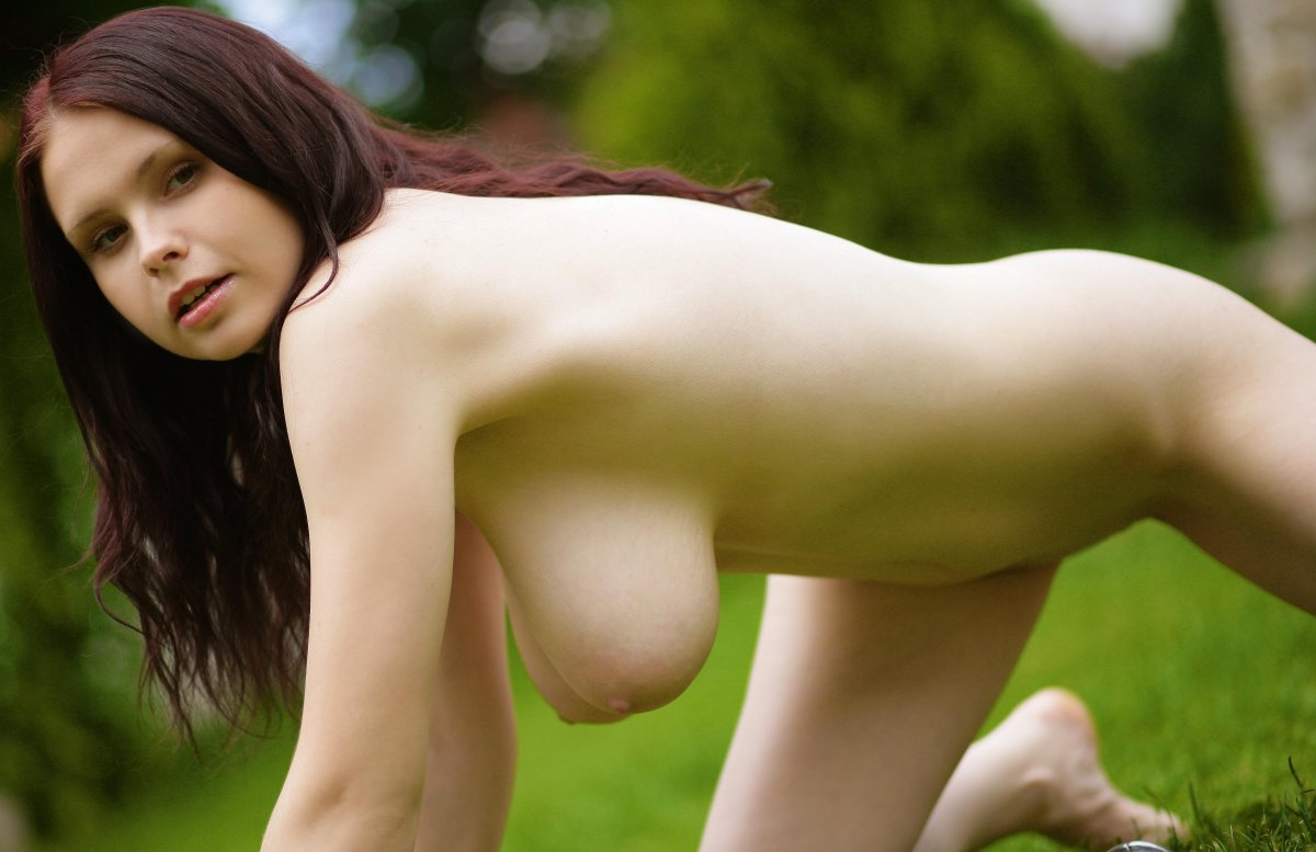 marquardt-nude-boobs-bent