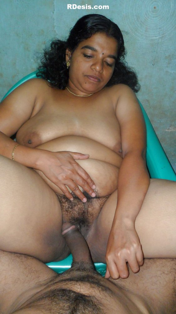 Indian fatty aynty self pussy images — photo 2