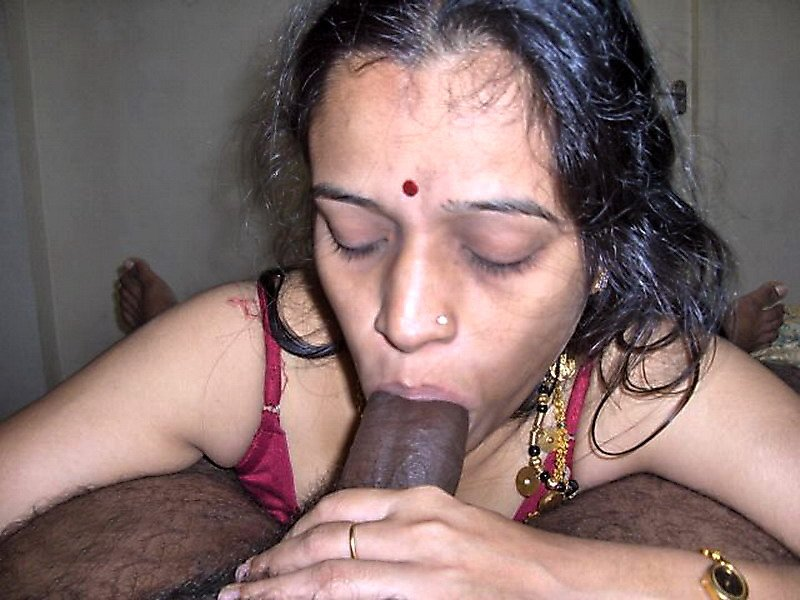 Nude bhabhi with penis — pic 1