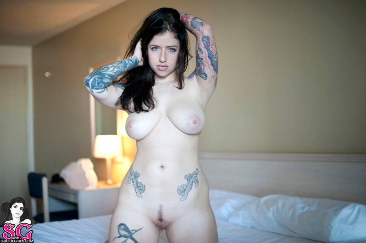 suicide-girls-naked-squeezing-breasts