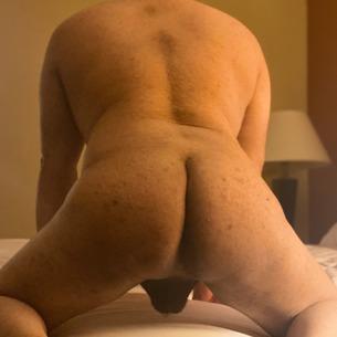 Gay Hookups & Discreet Dating at HOST®