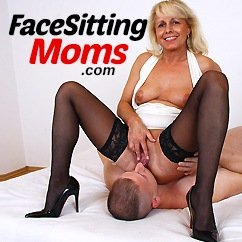 face sitting moms