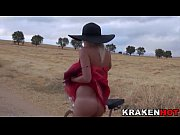 Picture Voyeur video with a Girl Outdoor provocating...