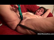 Picture American milfs Lani Lee and Kelli fuck a dil...