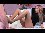 Picture FemaleAgent Bad Santa gets a great casting f...