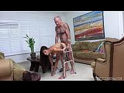 Novinha tomando rola do tio