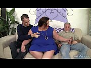 Picture Horny, chubby Bella Bendz gets her pussy dou...