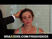 Picture Scarlet Young Girl 18+ Jodi Taylor is bathed...