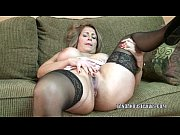 Picture Mature slut Sandie Marquez plays with her La...