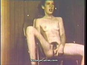 Picture Petite Young Girl 18+ Masturbates Right on S...