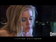 Picture Stunning blonde Samantha Saint cums on her k...