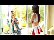 Picture Cheerleader Gets Knocked Up After Unprotecte...
